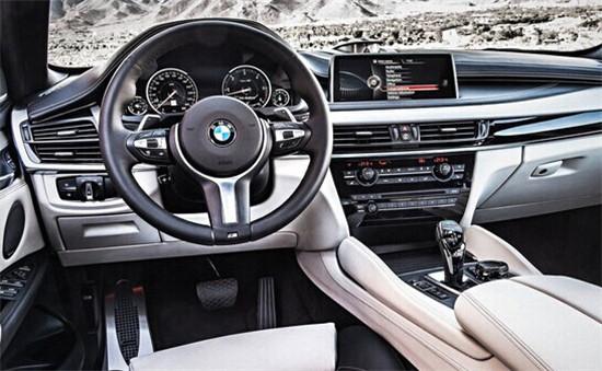 2015款宝马x6车型配备了运动型方向盘,真皮座椅,带有10.