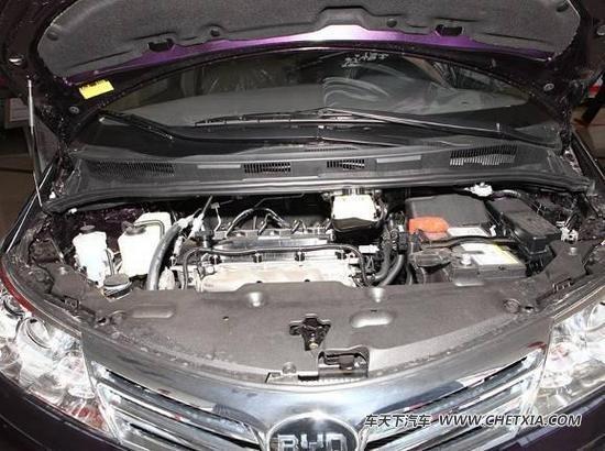 比如经常检查发动机舱内的机油